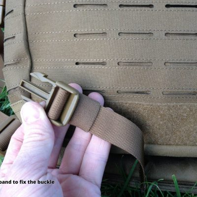 Direct Action Messenger Bag Review Helikon - Elastic band to fix the buckle